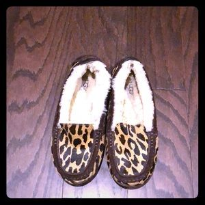 Ugg leopard slippers